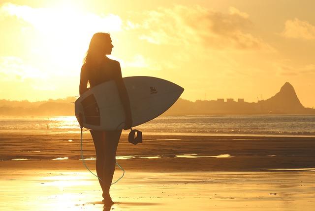 Miejsca do surfowania w Nowej Anglii, które warto odwiedzić